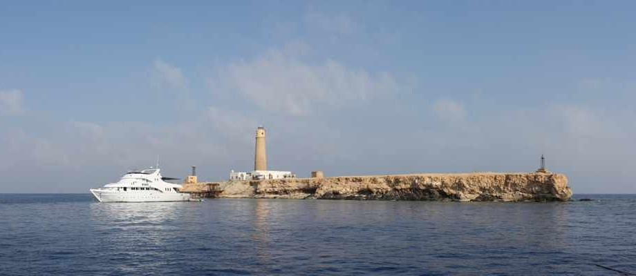 Panorama_of_the_Big_Brother_Island_in_the_Red_Sea2